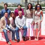 Andrés Luque y Samuel Martín Mateos con el reparto de Tiempo sin aire en la presentación en el 18 Festival de Málaga ©AnaBelenFernandez