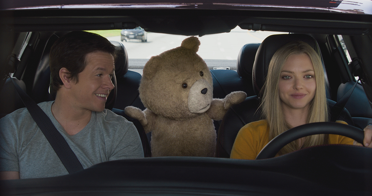 Mark Wahlberg, Ted y Amanda Seyfried en Ted 2