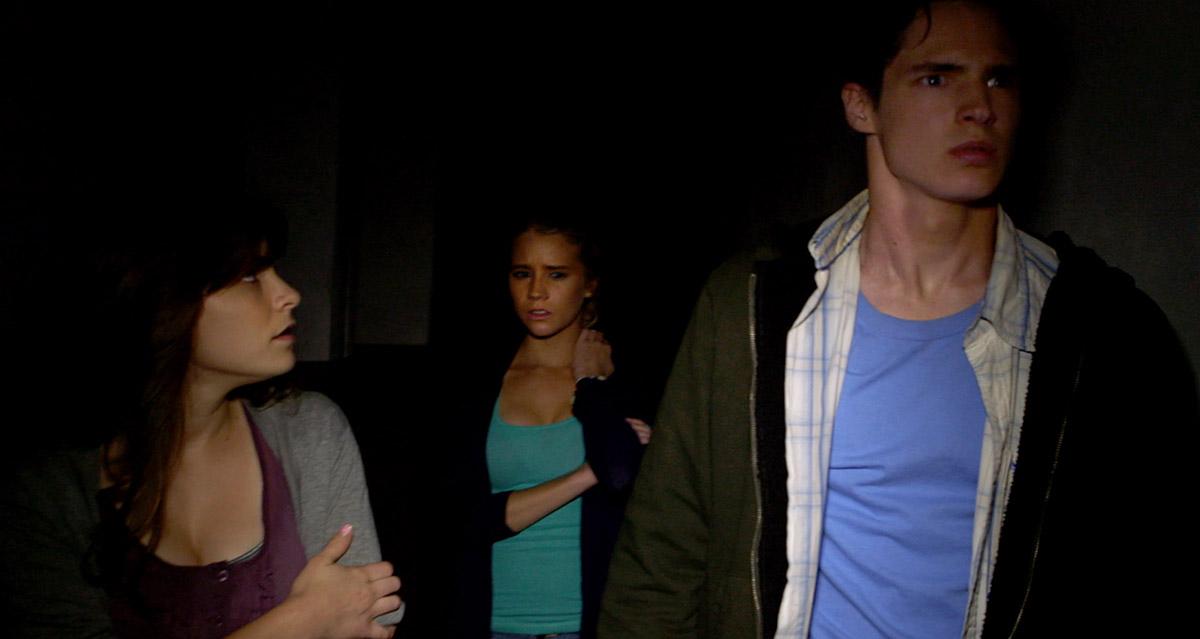 Cassidy Gifford, Pfeifer Brown y Reese Mishler en La horca