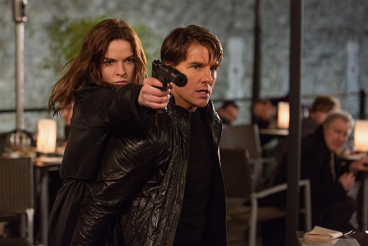 Rebecca Ferguson y Tom Cruise en Misión: imposible: Nación secreta