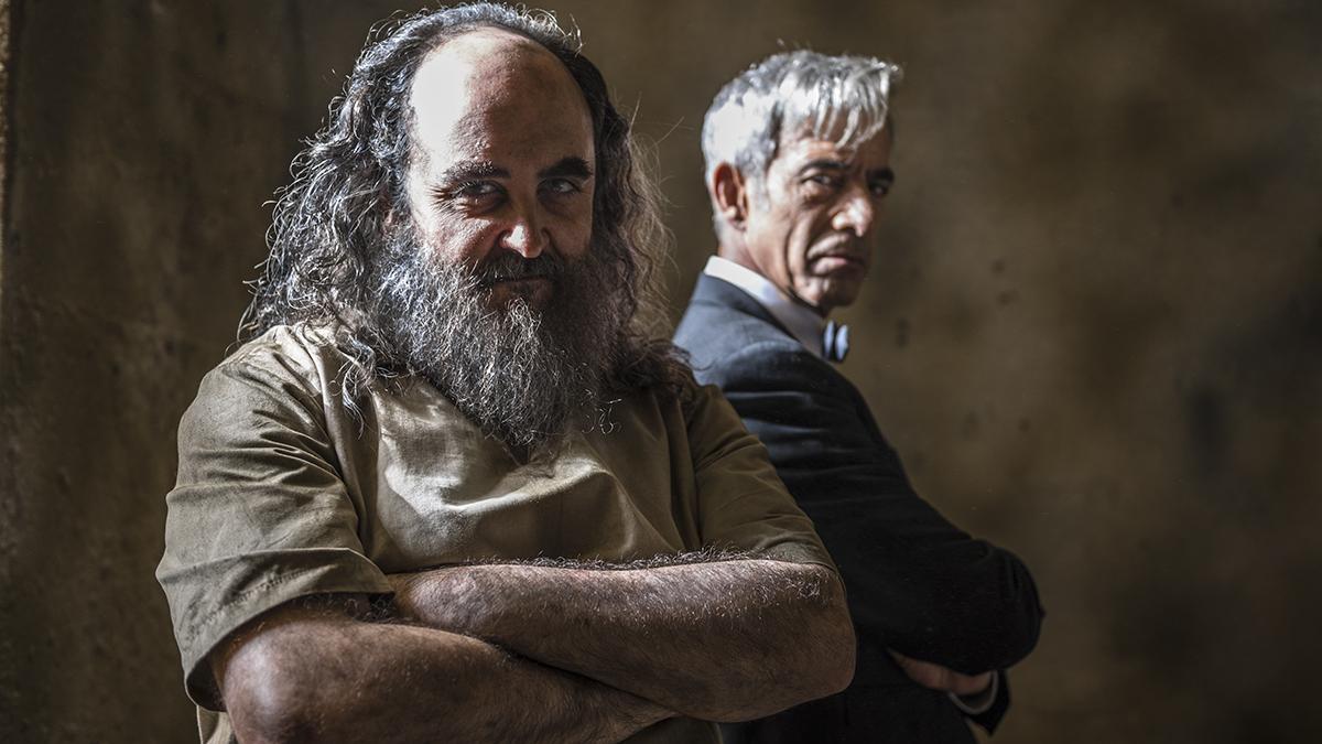 Carlos Areces y Imanol Arias en Anacleto: Agente secreto