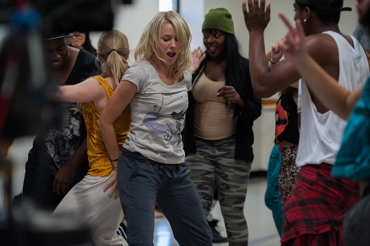 Naomi Watts en Mientras seamos jóvenes