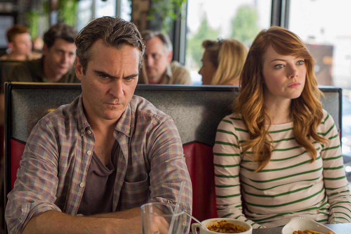 Joaquin Phoenix y Emma Stone en Irrational Man
