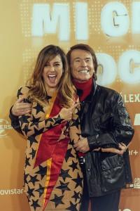 Blanca Suárez y Raphael en la presentación de Mi gran noche (3)