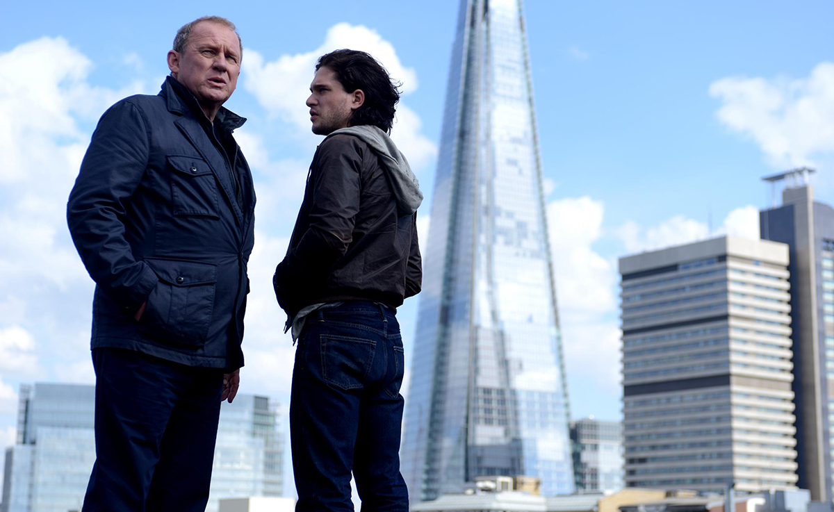 Peter Firth y Kit Harington en Doble identidad: Jaque al MI5