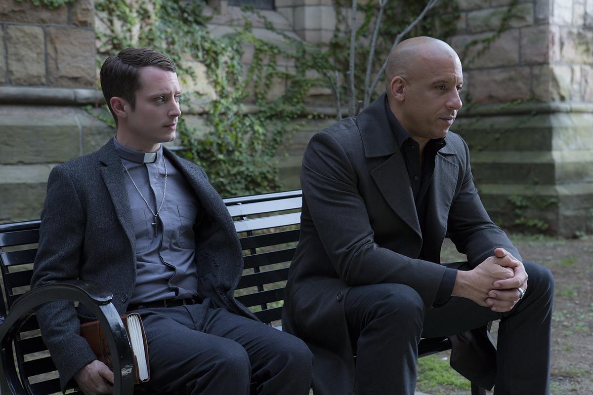 Elijah Wood y Vin Diesel en El último cazador de brujas
