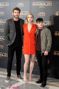 Liam Hemsworth, Jennifer Lawrence y Josh Hutcherson en la presentación de prensa de Los juegos del hambre: Sinsajo - Parte 2