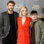 Liam Hemsworth, Jennifer Lawrence y Josh Hutcherson en la presentación de prensa de Los juegos del hambre: Sinsajo - Parte 2 (3)