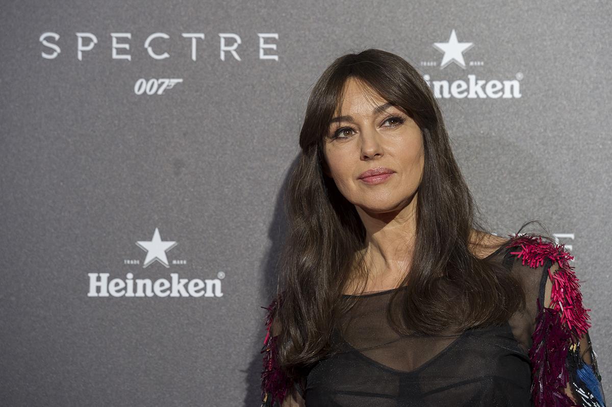 Monica Belluci en la premier de Spectre