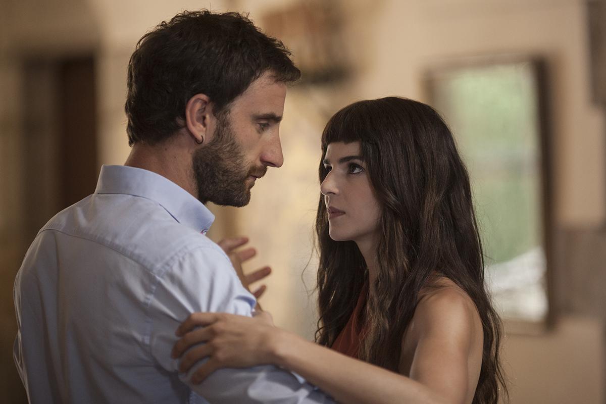 Dani Rovira y Clara Lago en Ocho apellidos catalanes