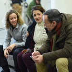 Daniela Féjerman, Nora Navas y Francesc Garrido en el rodaje de La adopción