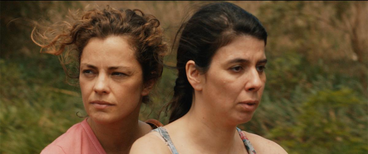 Dolores Fonzi y Laura López Moyano en Paulina