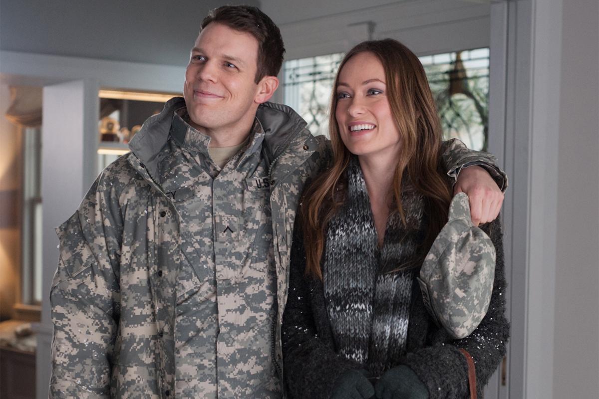 Jake Lacy y Olivia Wilde en Navidades, ¿bien o en familia?