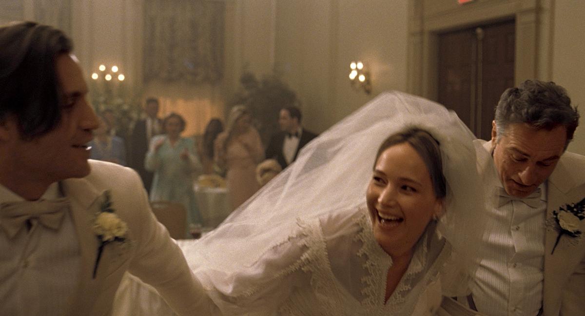 Édgar Ramírez, Jennifer Lawrence y Robert De Niro en Joy