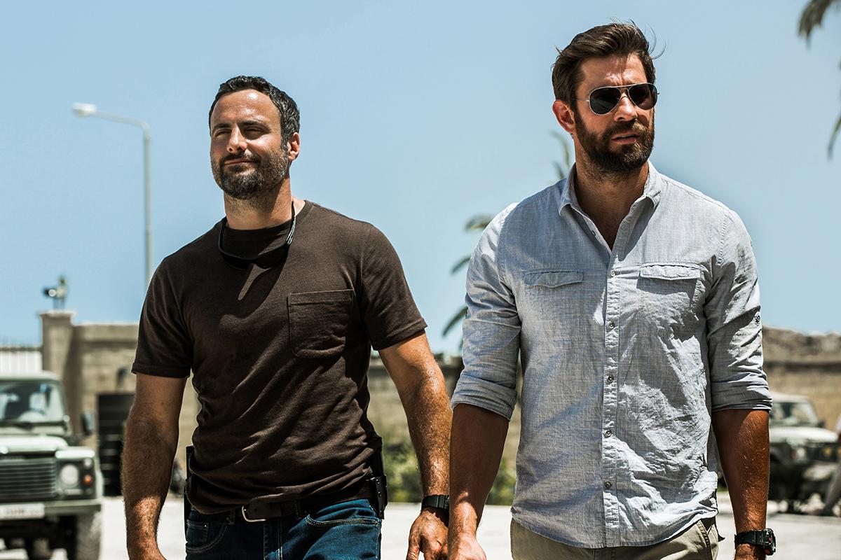 Dominic Fumusa y John Krasinski en 13 horas: Los soldados secretos de Bengasi