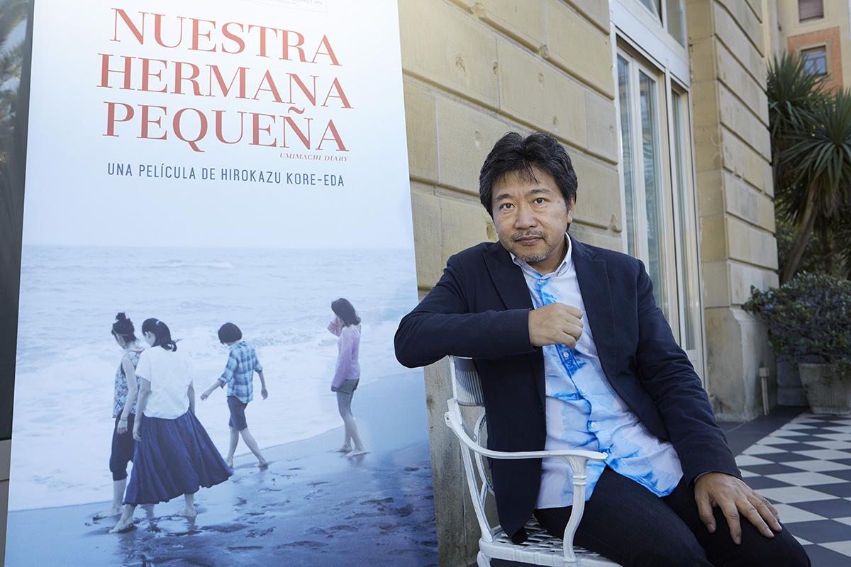 Hirokazu Koreeda en la presentación de Nuestra hermana pequeña en el 63 Festival de San Sebastián