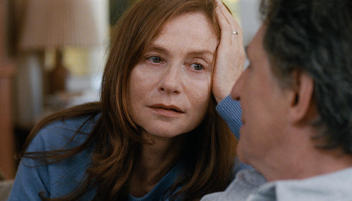 Isabelle Huppert y Gabriel Byrne en El amor es más fuerte que las bombas