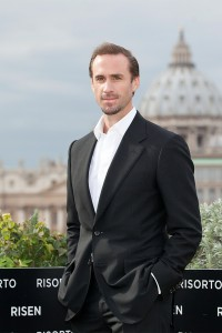 Joseph Fiennes en la presentación de Resucitado en Roma (2)