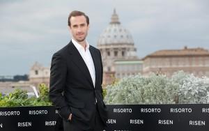 Joseph Fiennes en la presentación de Resucitado en Roma (3)