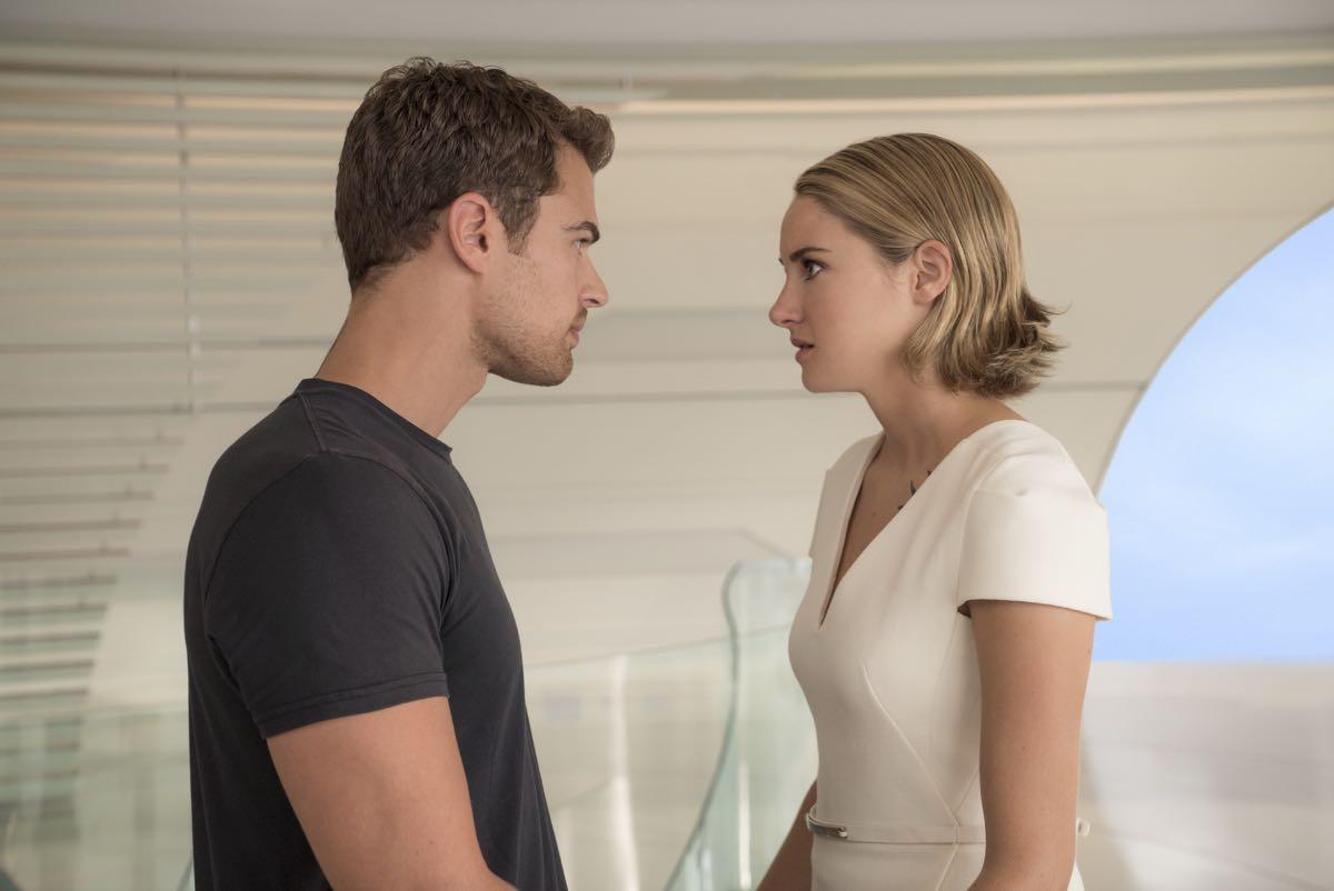 Theo James y Shailene Woodley en La serie Divergente: Leal