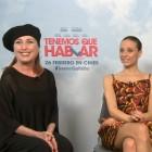 Verónica Forqué, Michelle Jenner y Óscar Ladoire en la presentación de Tenemos que hablar