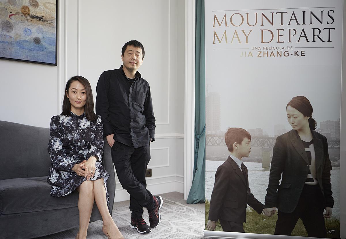 Tao Zhao y Jia Zhang Ke en la presentación de Más allá de las montañas en el 63 Festival de San Sebastián
