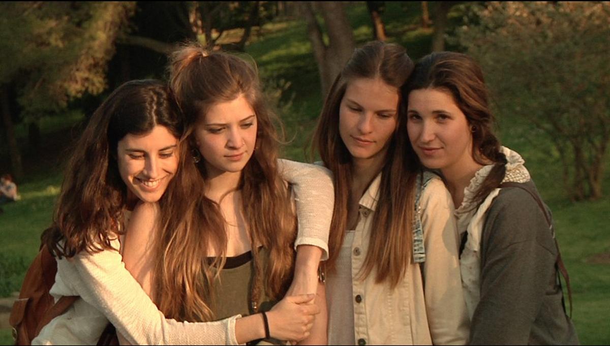 Elena Martín, Marta Cañas, Victòria Serra y Carla Linares en Las amigas de Àgata