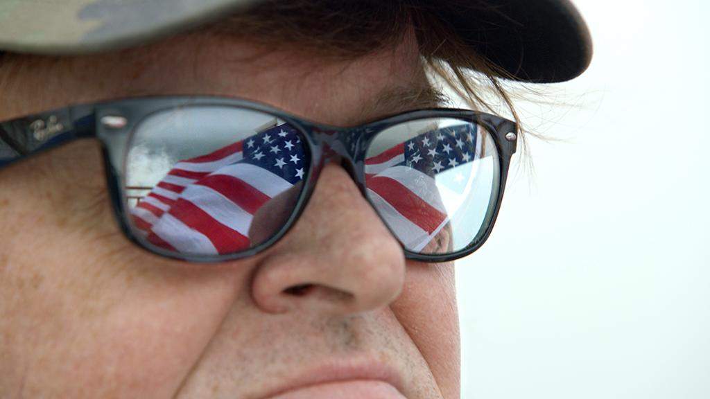 Michael Moore en ¿Qué invadimos ahora?