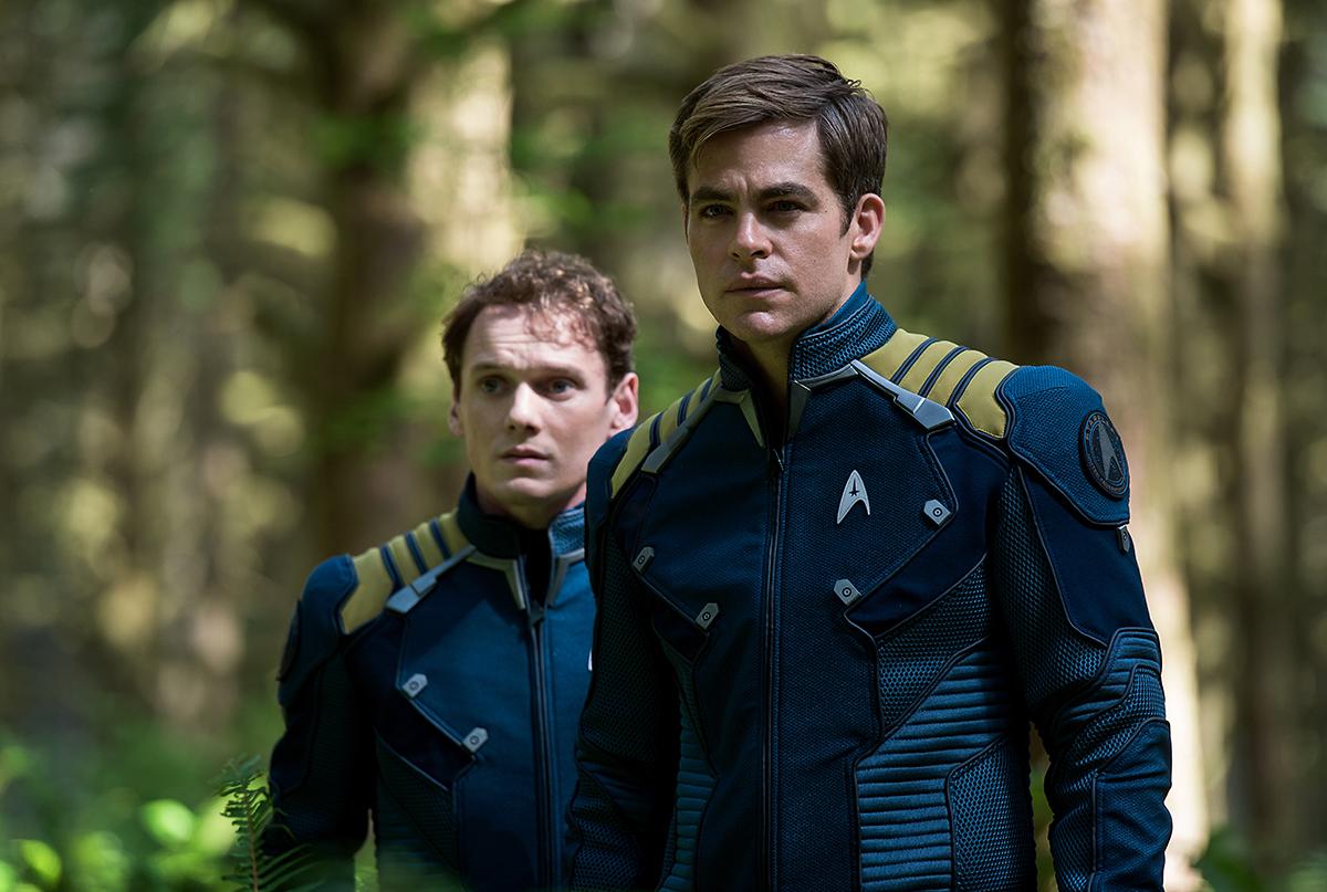 Anton Yelchin y Chris Pine en Star Trek: Más allá