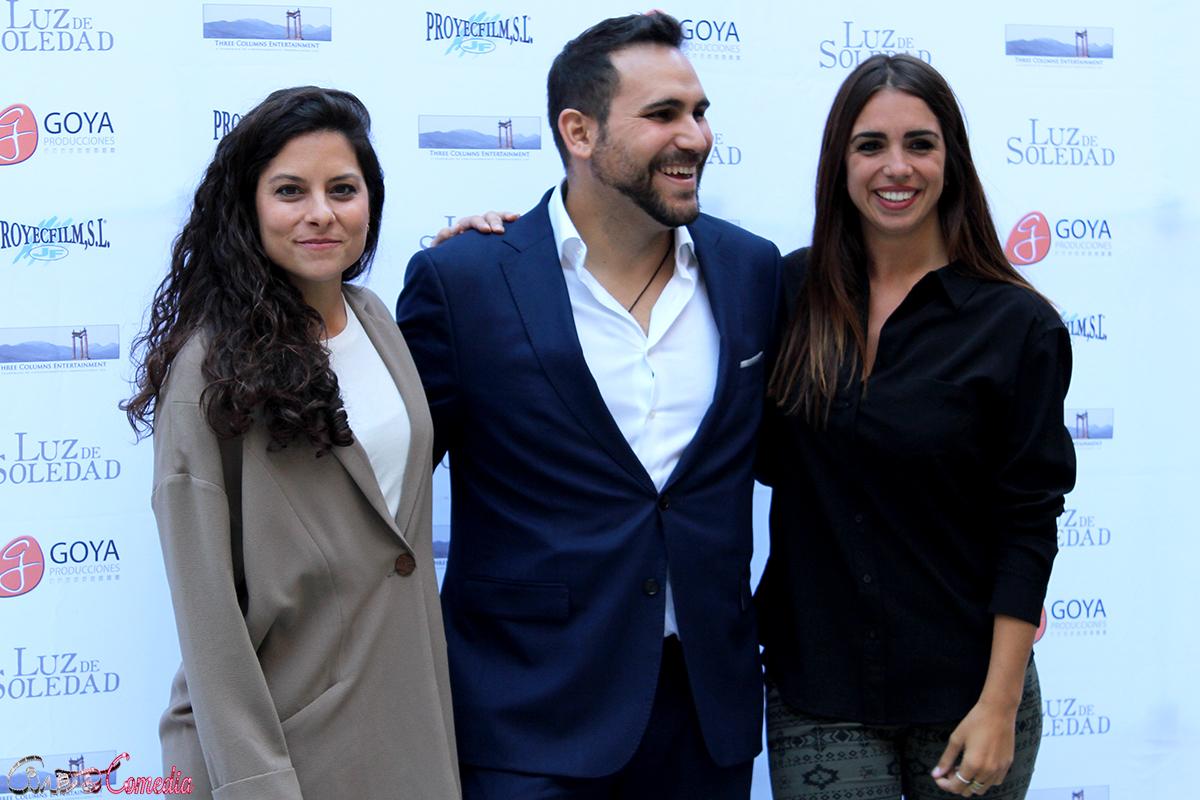 Laura Contreras, Pablo Moreno y Elena Furiase en el presentación de Luz de Soledad