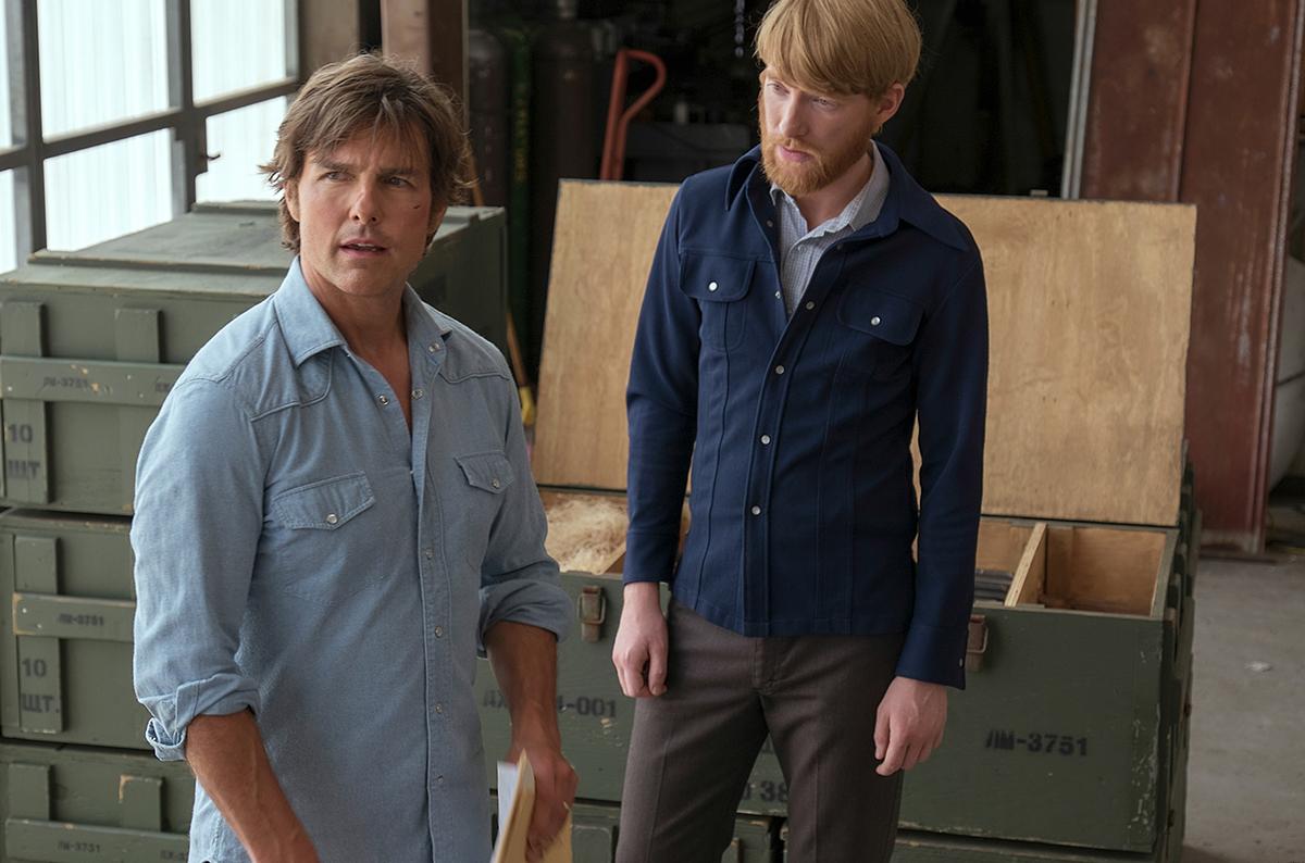 Tom Cruise y Domhnall Gleeson en Barry Seal: El traficante