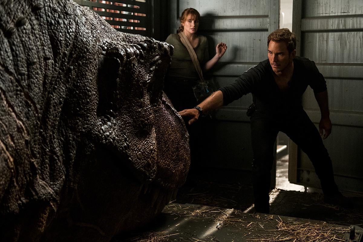Bryce Dallas Howard y Chris Pratt en Jurassic World: El reino caído