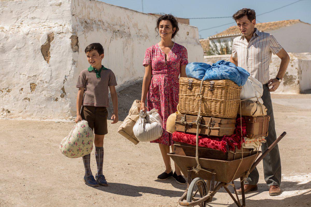 Asier Flores, Penélope Cruz y Raúl Arévalo en Dolor y Gloria