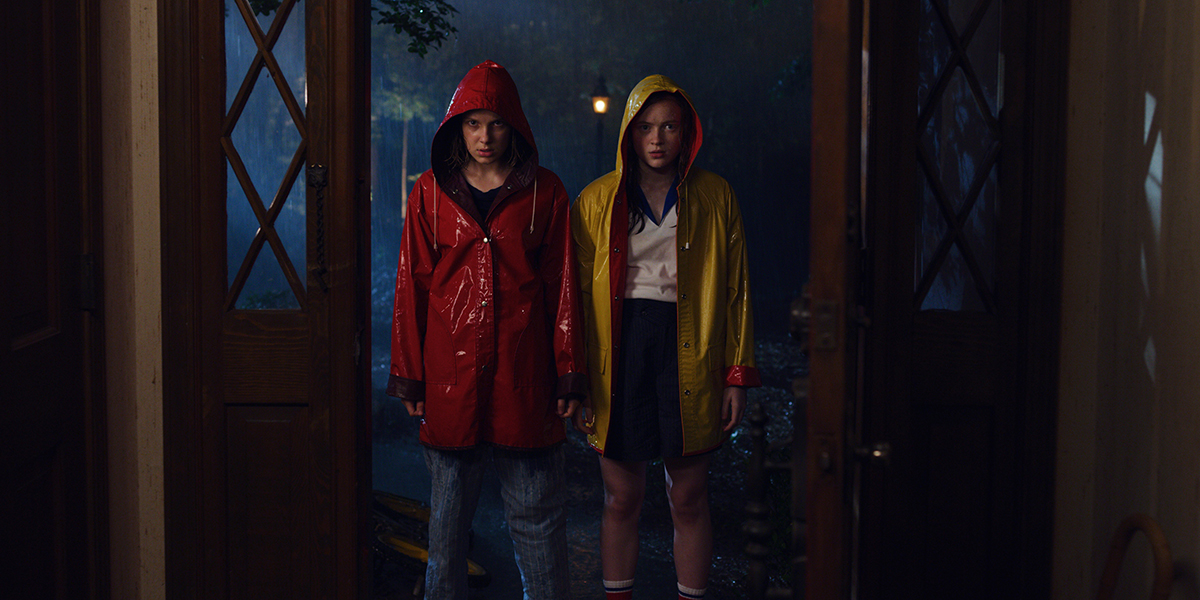 Sadie Sink y Millie Bobby Brown en Stranger Things 3