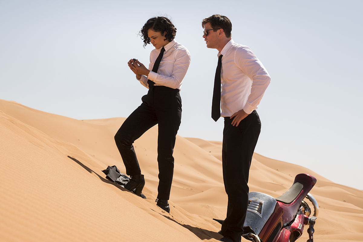 Tessa Thompson y Chris Hemsworth en Men in Black: International