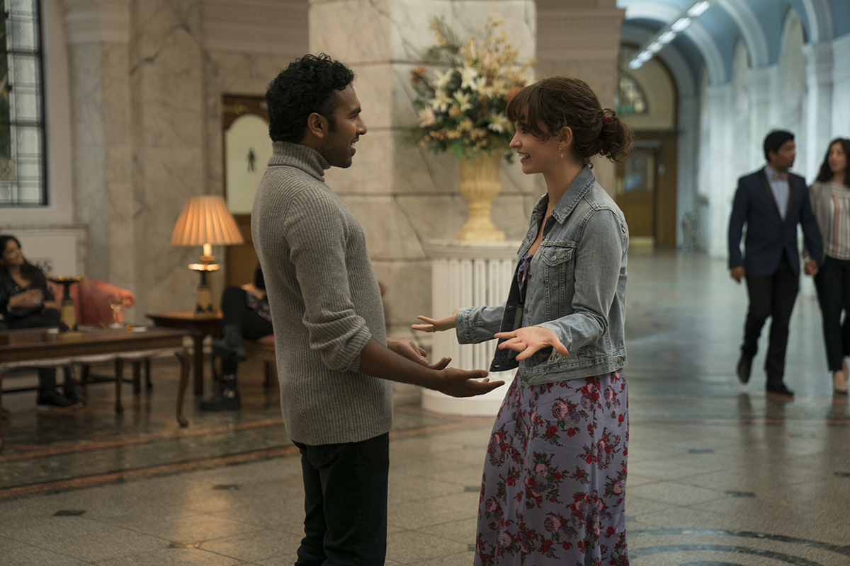 Himesh Patel y Lily James en Yesterday
