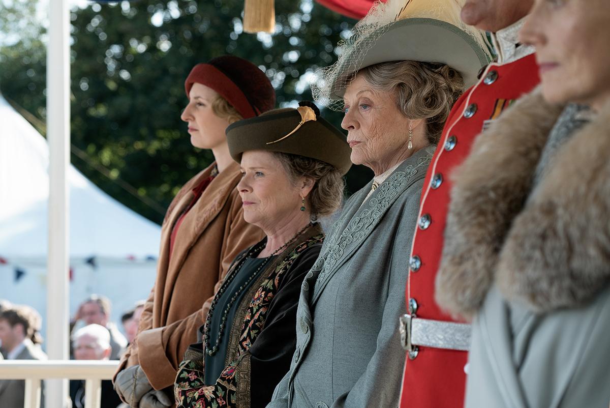 Laura Carmichael, Imelda Staunton y Maggie Smith en Downton Abbey: La película