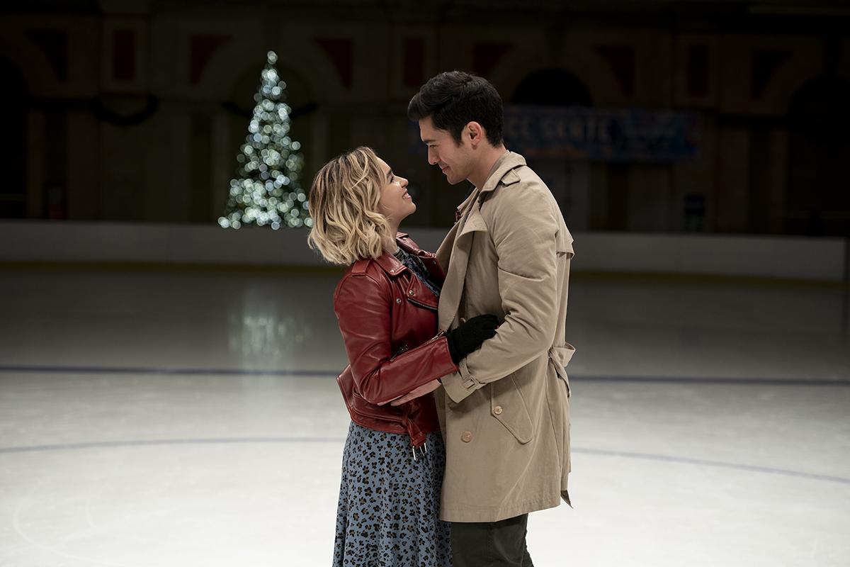 Emilia Clarke y Henry Golding en Last Christmas