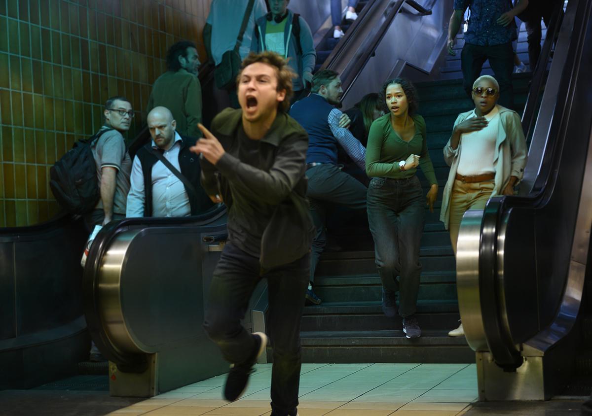 Logan Miller y Taylor Russell en Escape Room 2: Mueres por salir