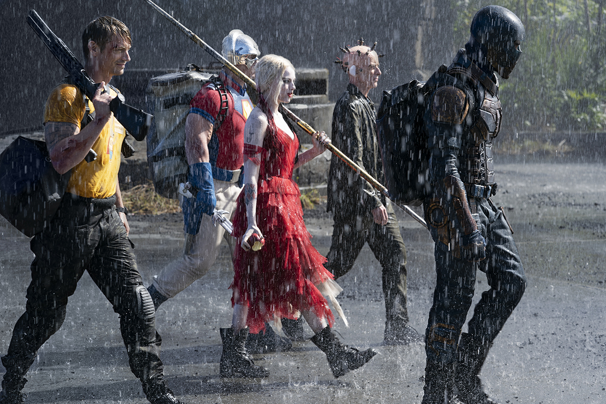 Joel Kinnaman, John Cena, Margot Robbie, Peter Capaldi e Idris Elba en El Escuadrón Suicida